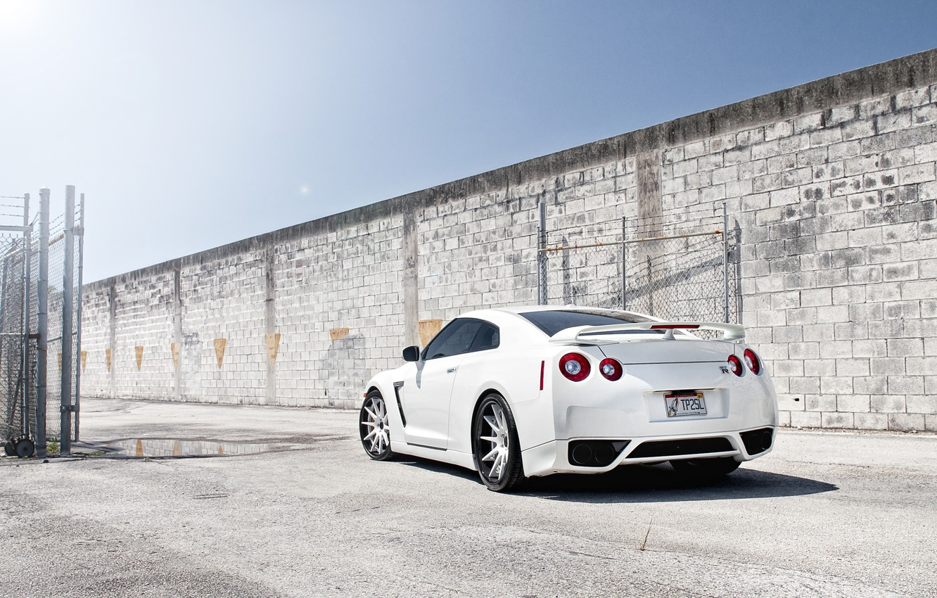 Photo wallpaper white, the sky, the sun, wall, mesh, tuning, the fence, puddle, GTR, Nissan, Nissan, tuning, …