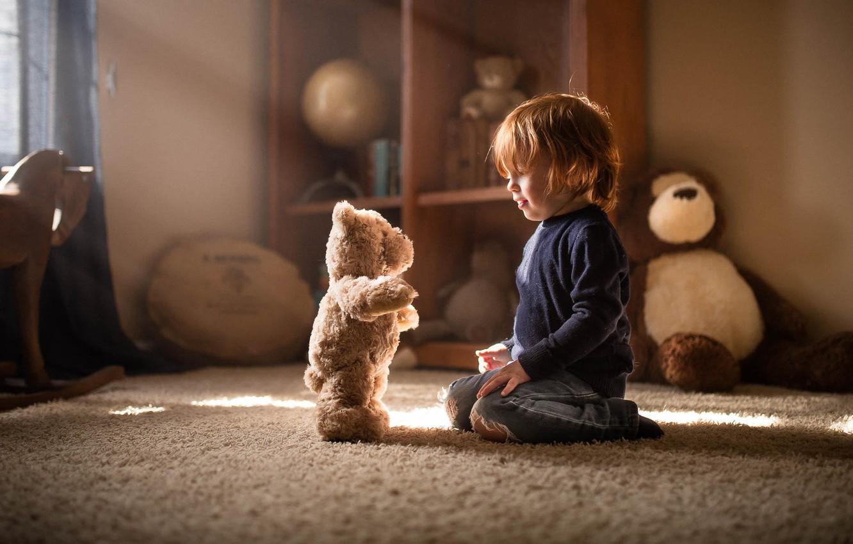 Photo wallpaper boy, bear, the conversation