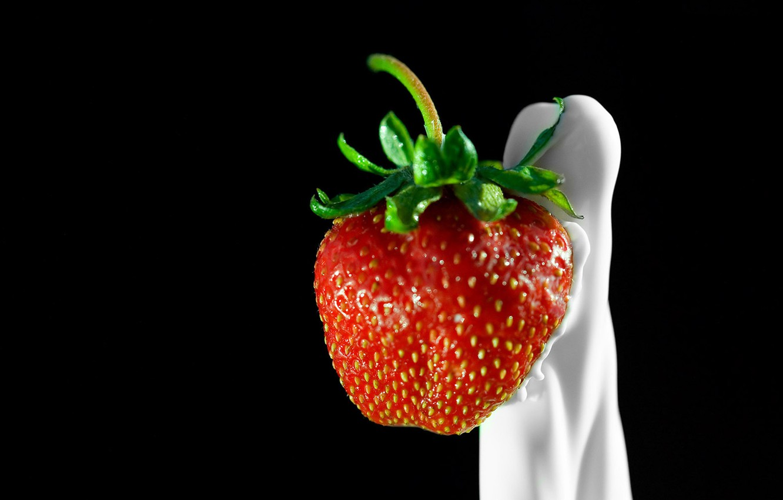 Photo wallpaper Strawberry, cream, berry