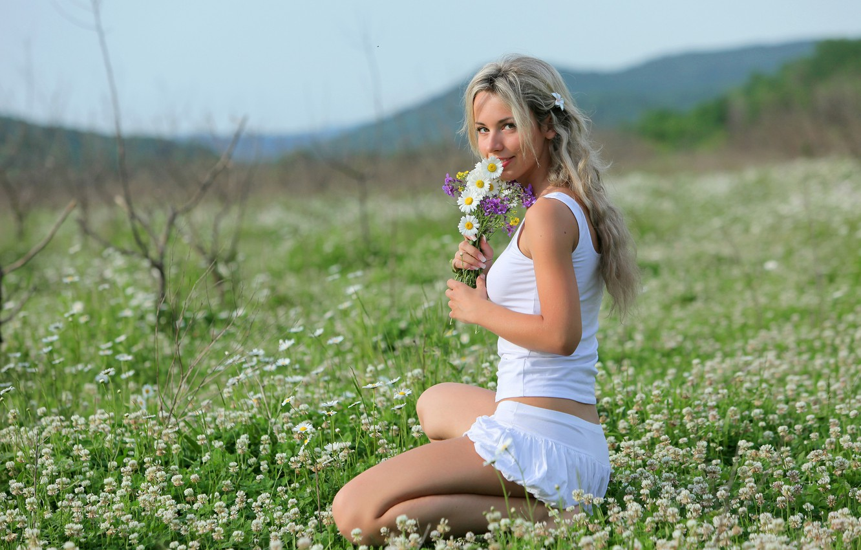 Photo wallpaper flowers, nature, smile, model, meadow, blonde, natalia