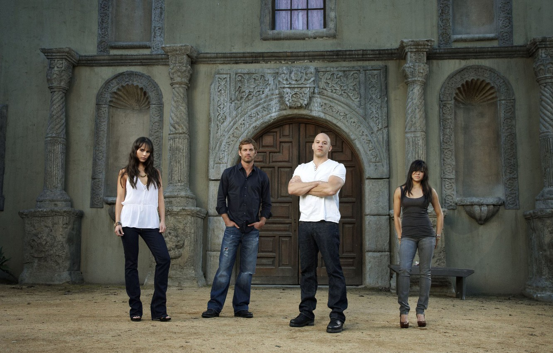 Photo wallpaper VIN Diesel, Jordana Brewster, Jordana Brewster, Michelle Rodriguez, Paul Walker, Mia, Vin Diesel, Paul Walker, …
