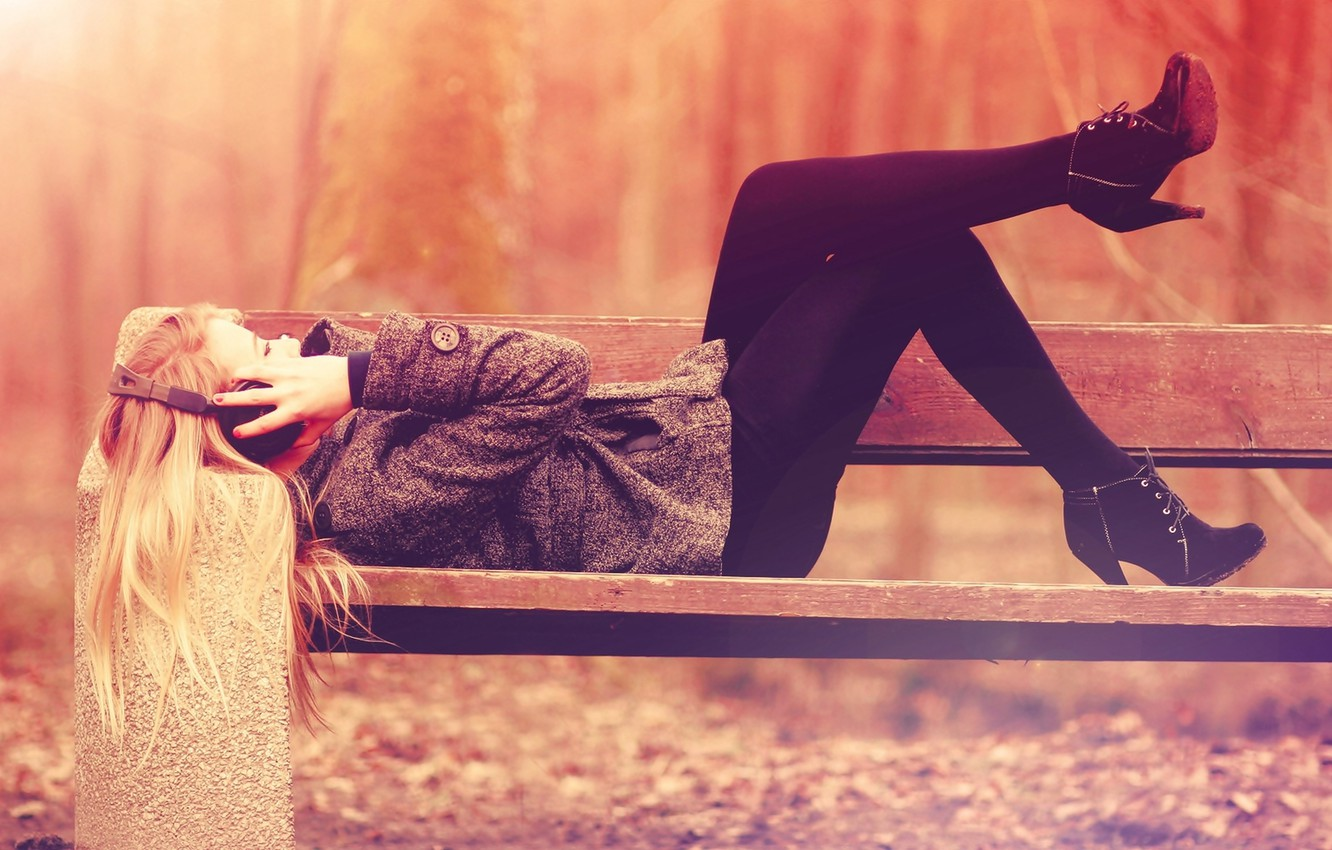 Photo wallpaper autumn, freedom, girl, bench, Park, music, mood, stay, music, headphones, shop, relax, bench, privacy, headphones, …
