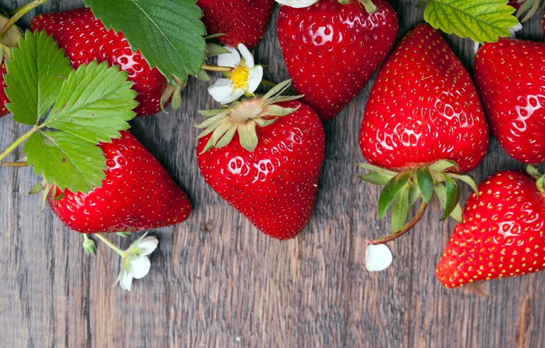 Photo wallpaper berries, strawberry, wood, strawberry, fresh berries