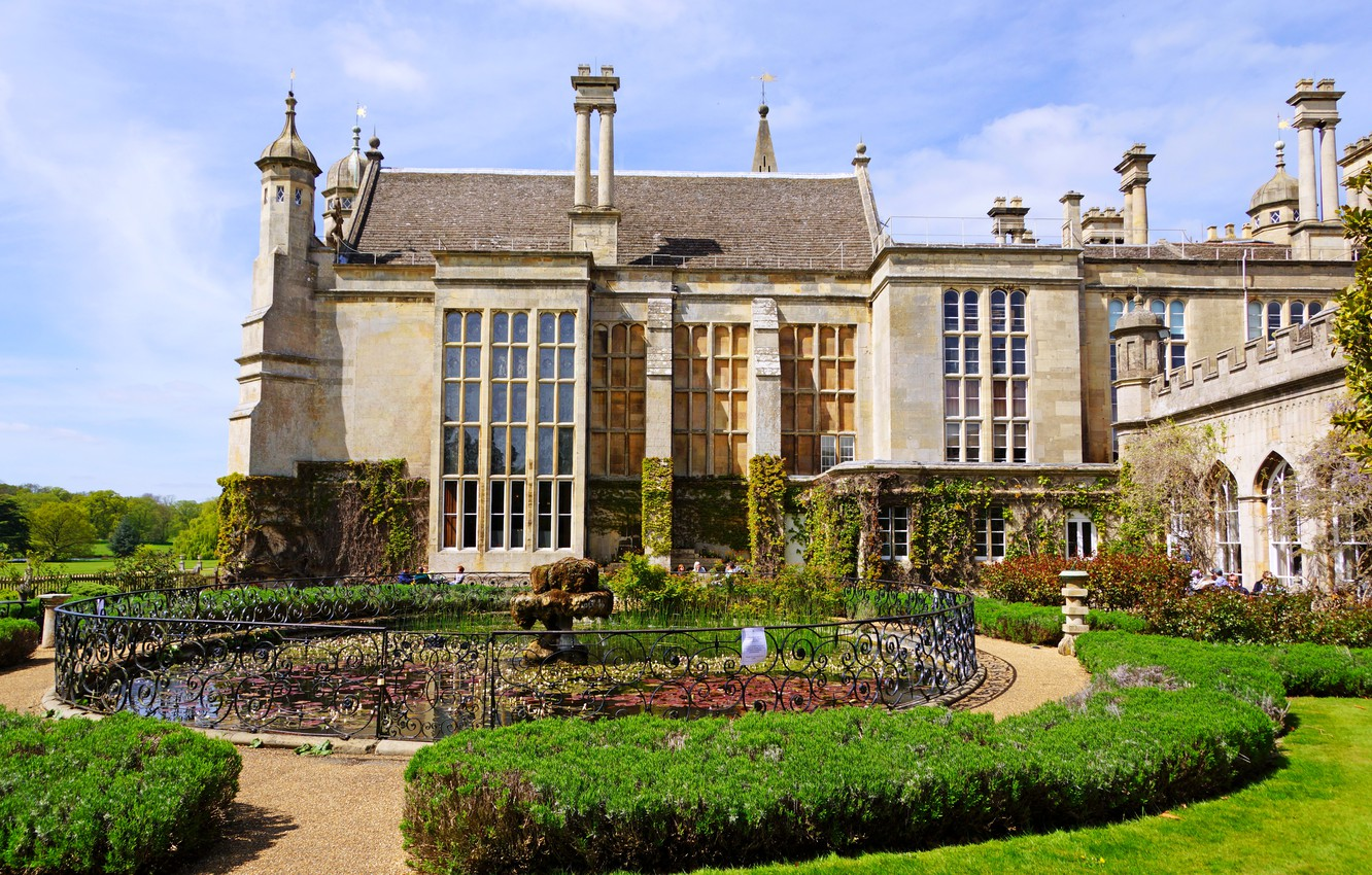 Photo wallpaper lawn, England, fountain, architecture, the bushes, Palace, residence, Burghley House