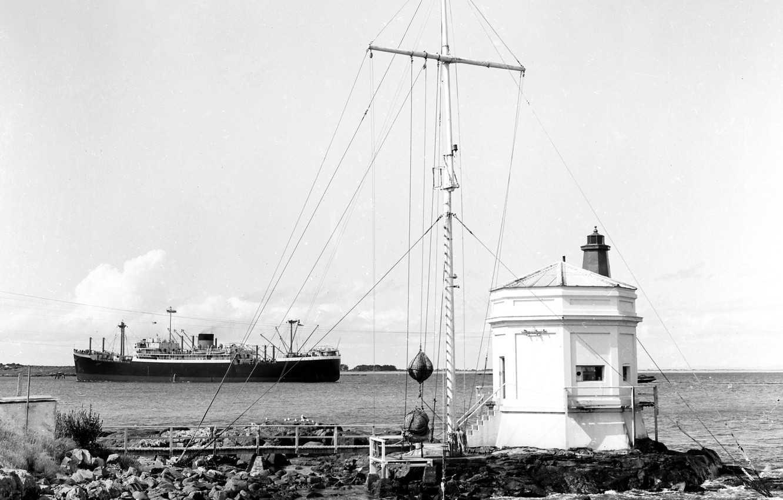 Photo wallpaper retro, stones, steamer, sea, retro, harbour, lighthouse, harbour, entrance, steamship