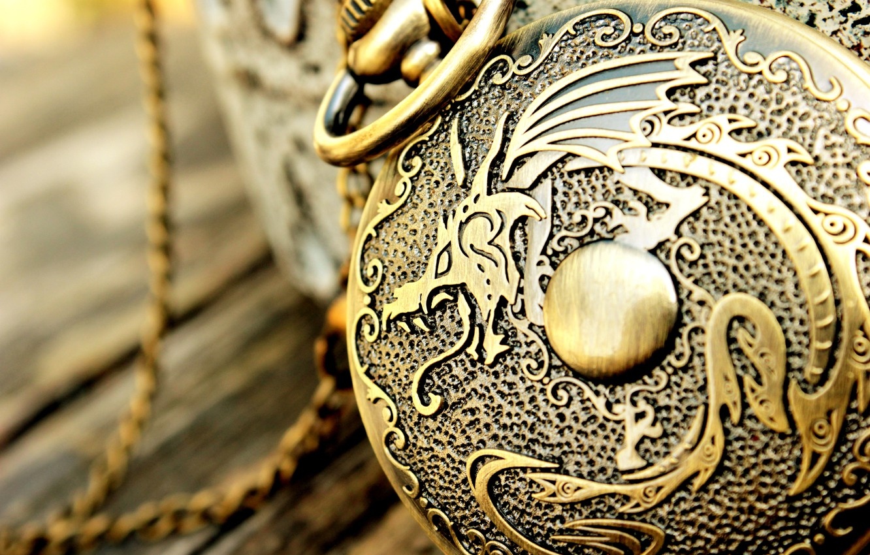 Photo wallpaper dragon, watch, chain, engraving