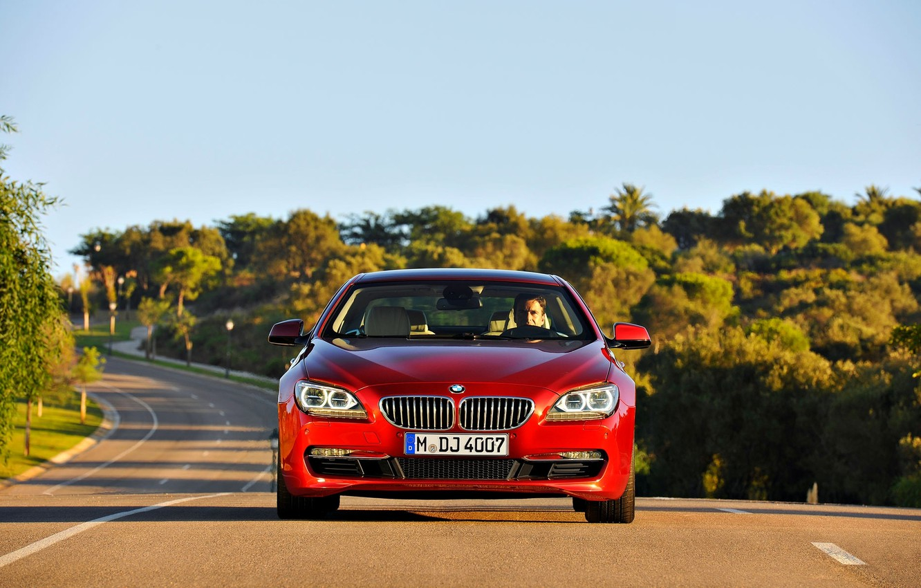 Photo wallpaper Red, Road, BMW, Grille, Asphalt, BMW, The hood, Day, 6 Series, The front
