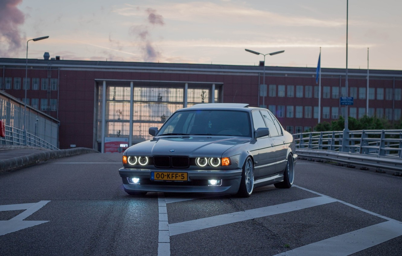 Photo wallpaper BMW, Tuning, Classic, BMW, Lights, Drives, Tuning, E32, Rollers, Old school