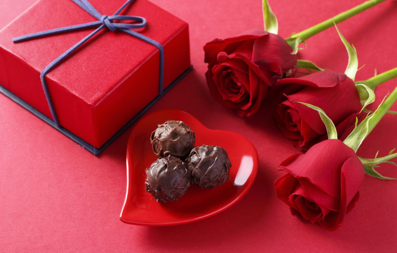 Photo wallpaper love, gift, romance, chocolate, roses, candy, love, Rose, heart, romantic, chocolate, gift, sweets, Valentines Day