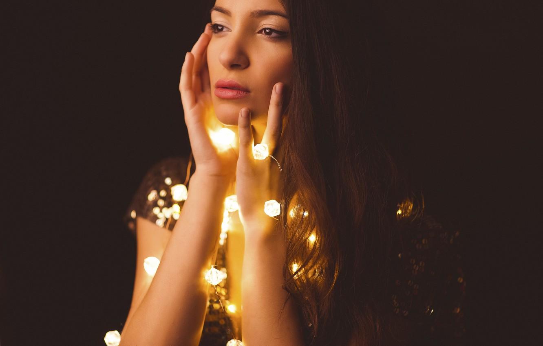 Photo wallpaper look, girl, face, lights, background, hands, garland