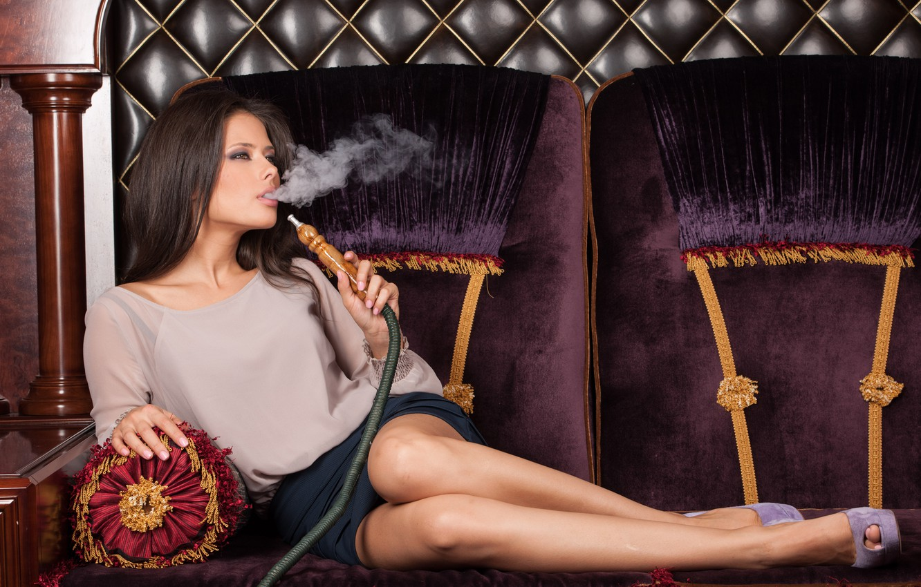 Photo wallpaper relax, legs, model, pose, water pipe
