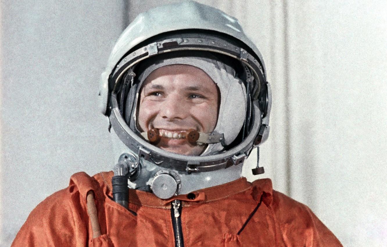 Photo wallpaper smile, astronaut, the suit, hero, legend, pilot, Yuri Gagarin