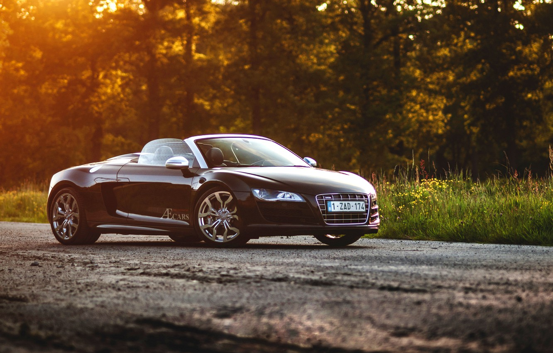 Photo wallpaper Audi, black, Spyder, front, sun, V10