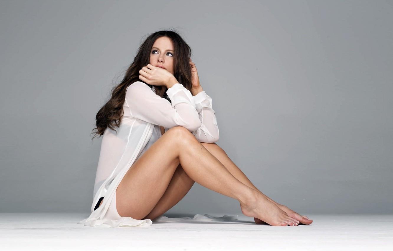 Photo wallpaper background, model, brunette, Actress, grey background, girls, wallpapers, women, Photo, models, kate beckinsale, Kate beckinsale