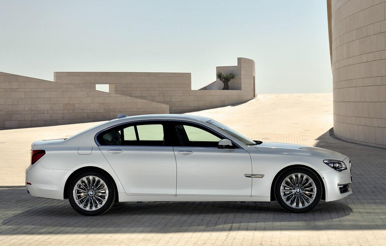 Photo wallpaper Auto, White, BMW, Machine, Boomer, BMW, Day, Sedan, 7 Series, Side view