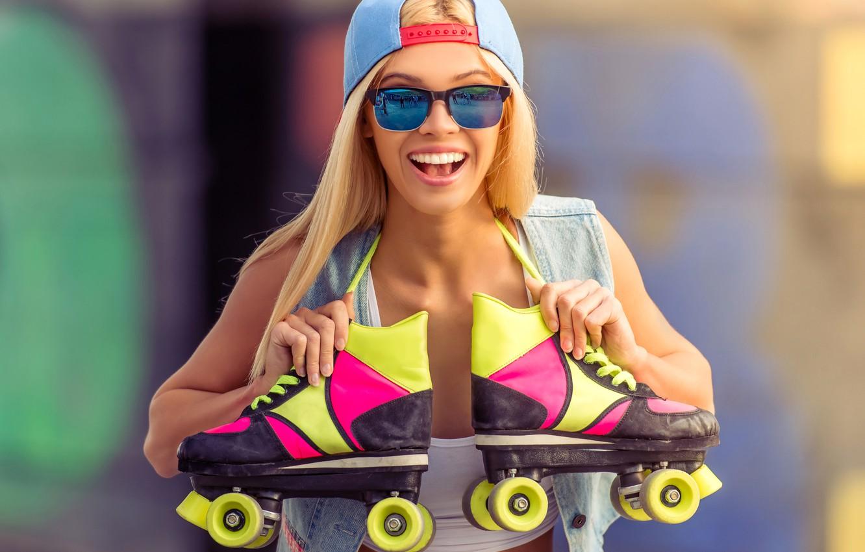 Photo wallpaper joy, background, mood, videos, glasses, hairstyle, blonde, cap, bokeh