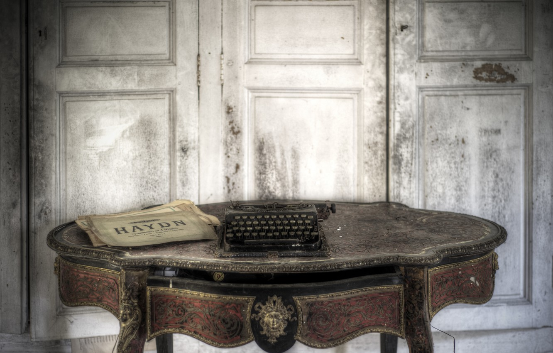 Photo wallpaper Lost, Abandoned, Typewriter