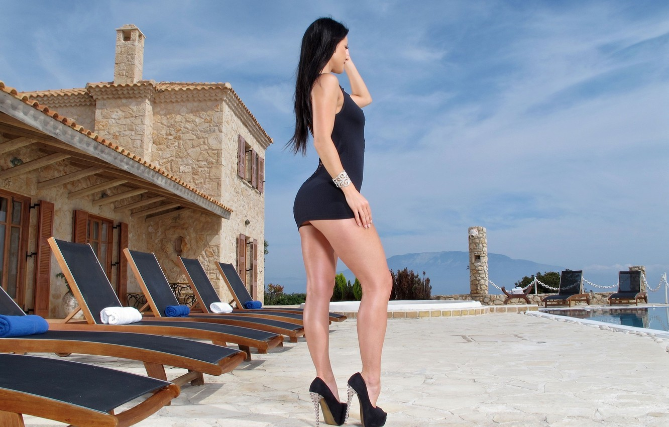 Photo wallpaper chest, girl, pose, model, the situation, figure, beauty, shoes, legs, hairstyle, face, Kristina Uhrinova, Melisa …