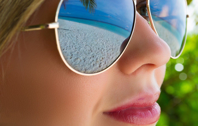 Photo wallpaper beach, girl, face, reflection, glasses