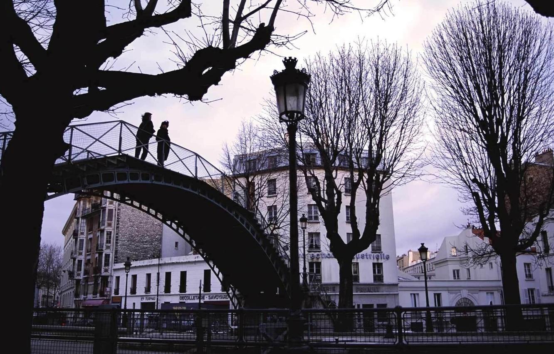 Photo wallpaper bridge, the city, people, lights, a couple