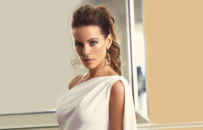 Photo wallpaper chest, look, girl, face, background, hair, actress, Kate Beckinsale, Kate Beckinsale, beauty