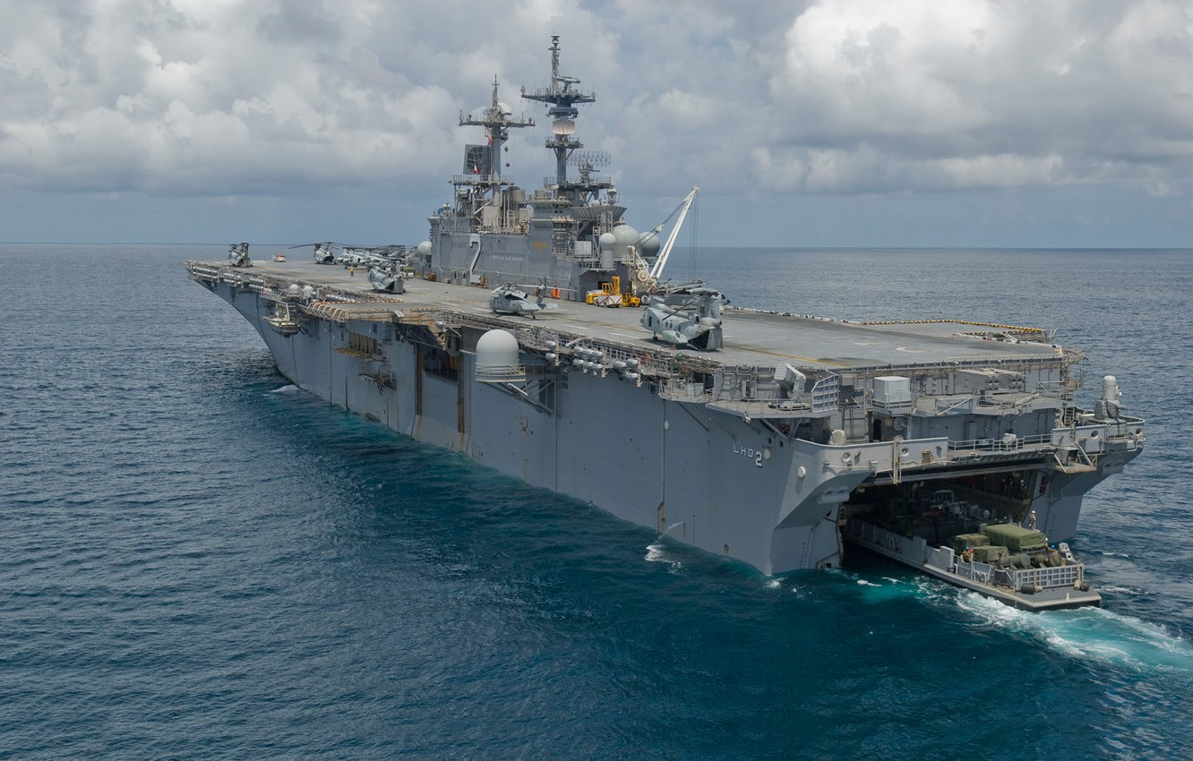 Photo wallpaper the ocean, ship, helicopters, deck, landing, USS Essex, (LHD-2)