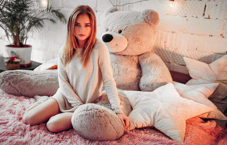 Photo wallpaper flower, girl, Palma, room, toy, bed, pillow, bear, blonde, pot, tunic, Ivan Gorokhov, Polina Grents