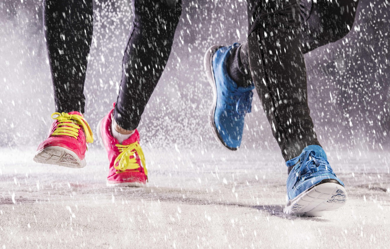 Photo wallpaper rain, shoes, running, jogging