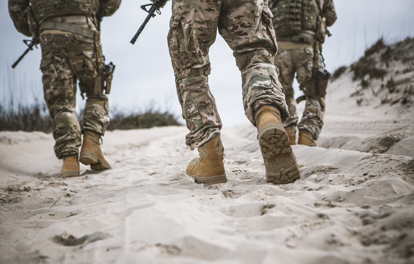 Photo wallpaper guns, soldiers, sand, camouflage, military clothing