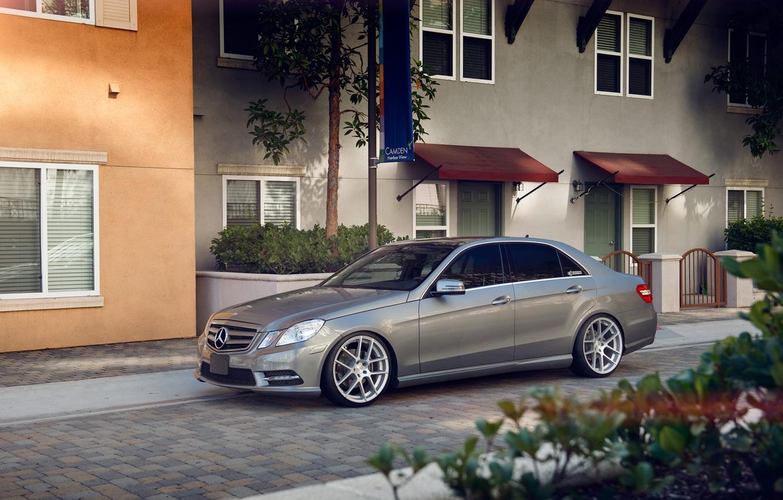 Photo wallpaper Mercedes, wheels, E350