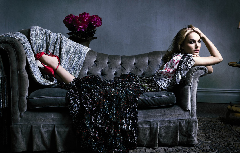 Photo wallpaper sofa, dress, natalie portman, a bouquet of flowers