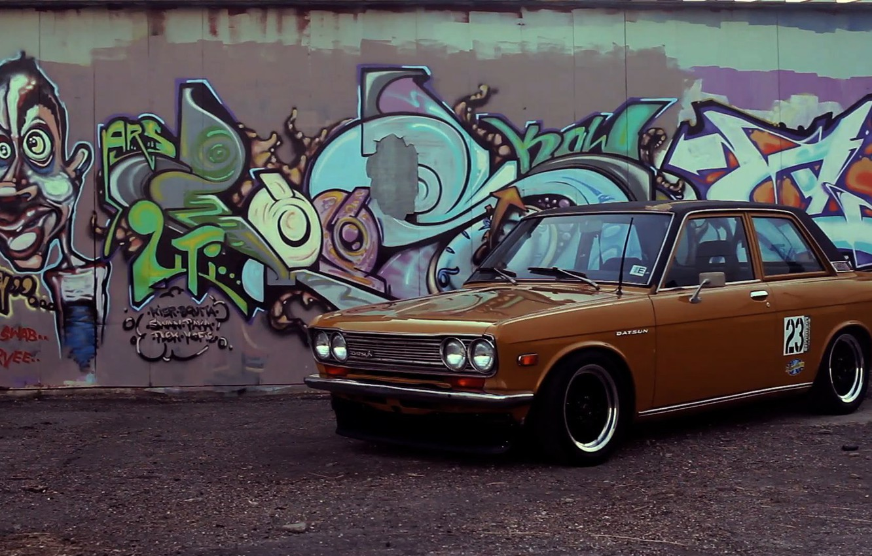 Photo wallpaper graffiti, Datsun