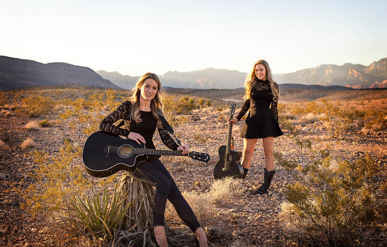 Photo wallpaper guitar, sisters, musical Duo, Wildfire, Jill и Julia