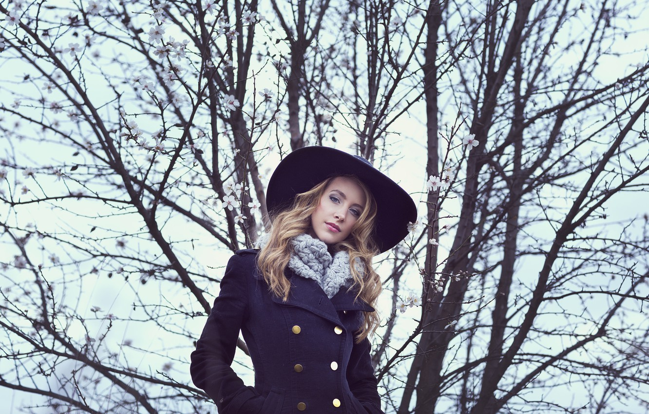 Photo wallpaper look, girl, face, style, hair, hat, coat