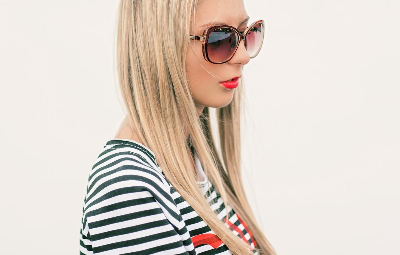 Photo wallpaper summer, wall, Girl, glasses, blonde, white, red lipstick, sun