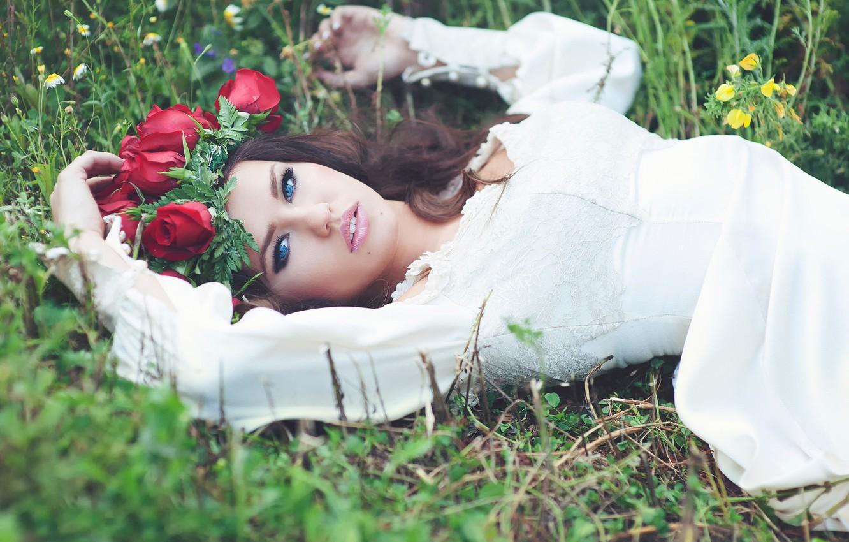 Photo wallpaper flowers, model, wreath, blue-eyed, Rosie Mac