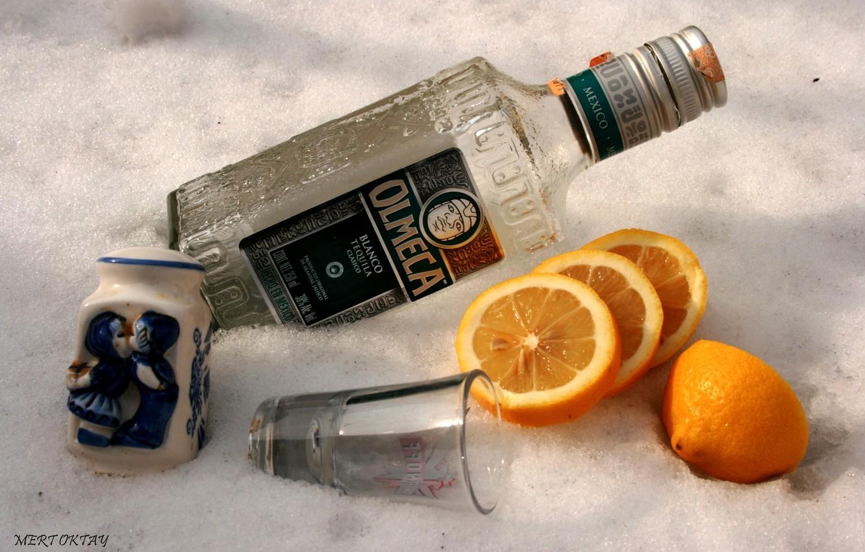 Photo wallpaper lemon, bottle, orange, glass, salt, tequila.Olmeca