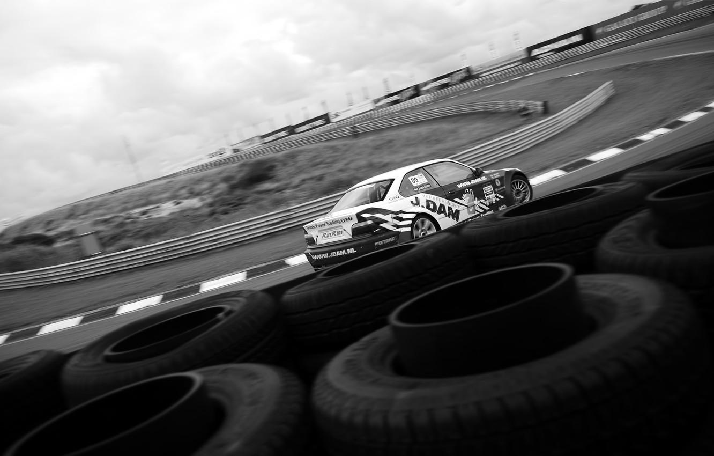Photo wallpaper bmw, tires