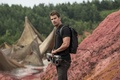 Picture weapons, frame, Chapter 3: Behind the wall, The Divergent Series: Allegiant, backpack, blur, pants, t-shirt, ...