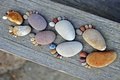 Picture traces, stones, Board