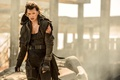 Picture Milla Jovovich, abrasions, powerful, Alice Abernathy, movie, city, apocalypse, Resident Evil: The Final Chapter, woman, ...