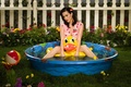 Picture toy, Katy Perry, pool