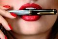 Picture makeup, pen, lips