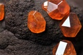 Picture stone, Amber, mineral